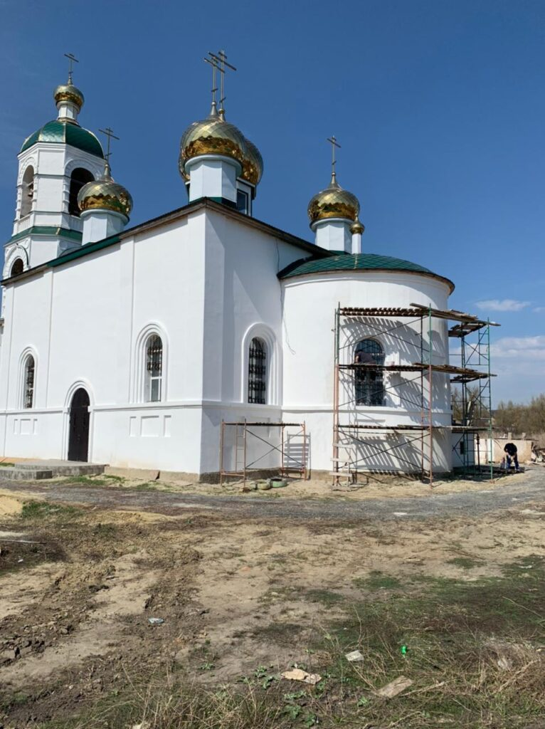 Храм Живоначальной Троицы (1786 г.) в процессе восстановления